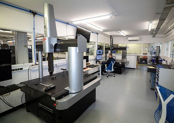 Máquina tridimensional Zenith 2 en knorr-bremse-cmm.jpg